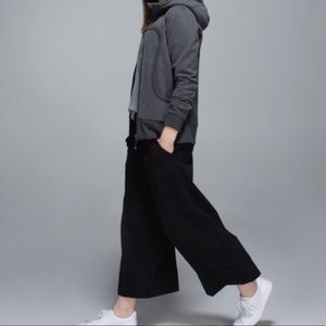 Lululemon For the Yin Culotte Pant / Pants Size 8